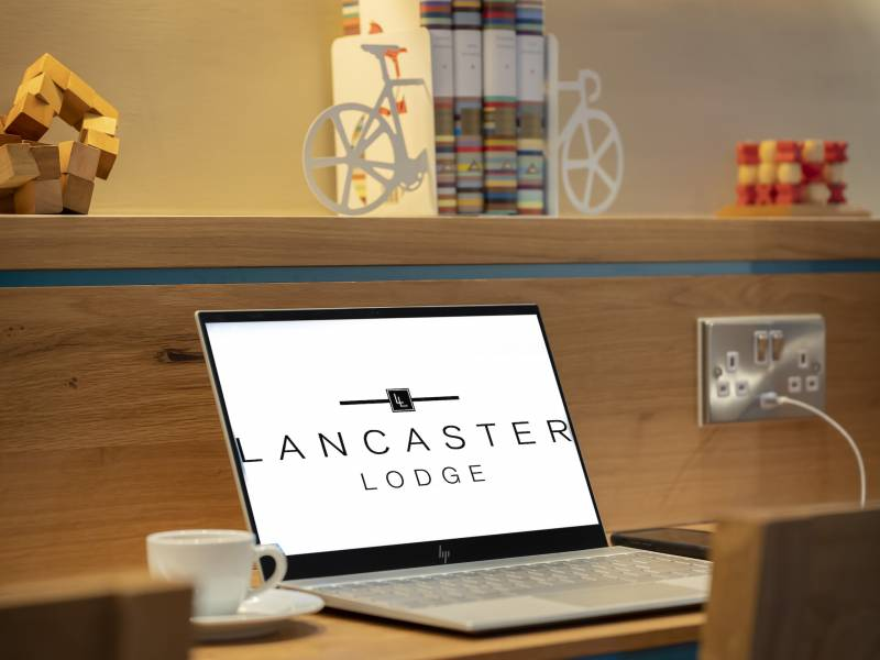 Lancaster Lodge, Interiores: Lobby